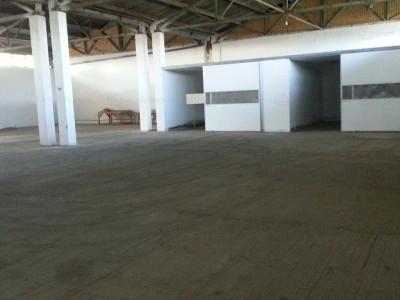 Zona Industriala, hala 620 mp., birouri 48 mp., renovata, 2 rampe