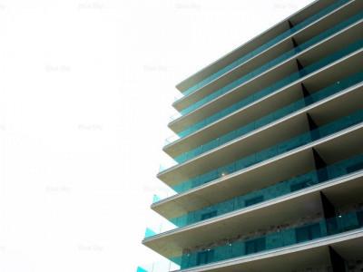 Mamaia ( Nord) - PRIMUL RAND LA MARE ,2 camere, etaj 3