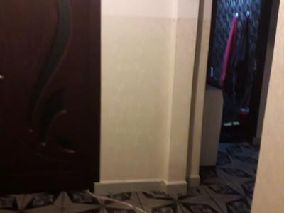 INEL II -Apartament 3 camere ,centrala pe gaz