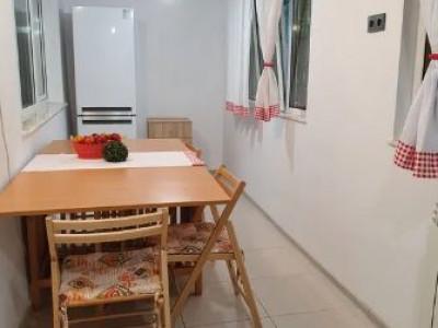 Brotacei -Apartament 3 camere lux -Parter