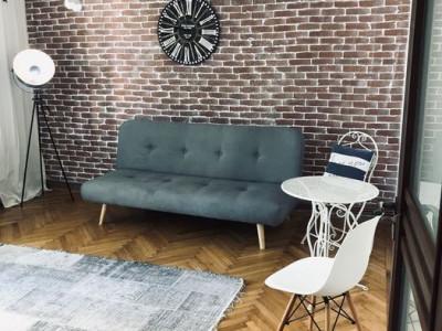 Cazino - Piata Ovidiu, apartament 4 camere, etaj 3, renovat integral
