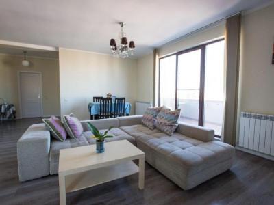 Bd. Mamaia, apartament 3 camere confort maxim, 90 mp., mobilat, utilat