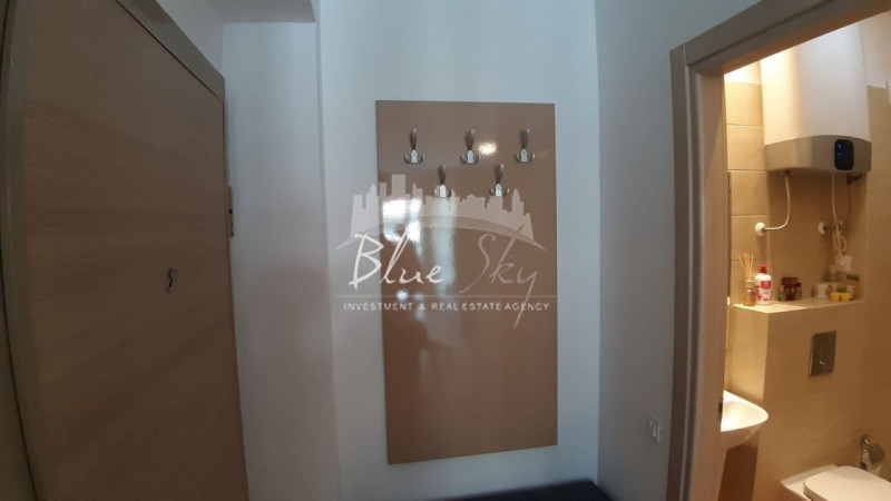 Studiou mobilat utilat ,vedere la lac - Statiunea Mamaia , langa Hotel Opera