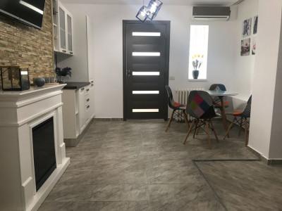 Plaja 3 Papuci- Apartament cochet 3 camere -Termen lung
