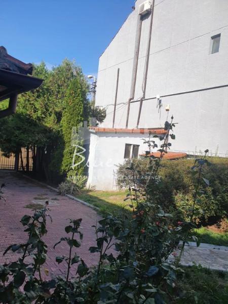 In Zona Bulevardul Mamaia -Spitalul Militar, vila P+2