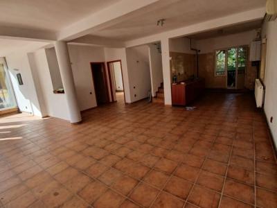 Mamaia Nord ,vila p+1,5 camere