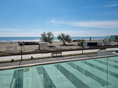 Apartament 3 camere cu vedere frontala la mare